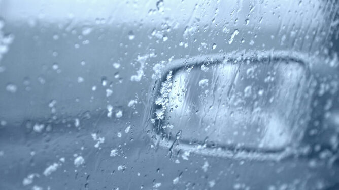 Śnieg może utrudnić podróżowanie. Miejscami ślisko