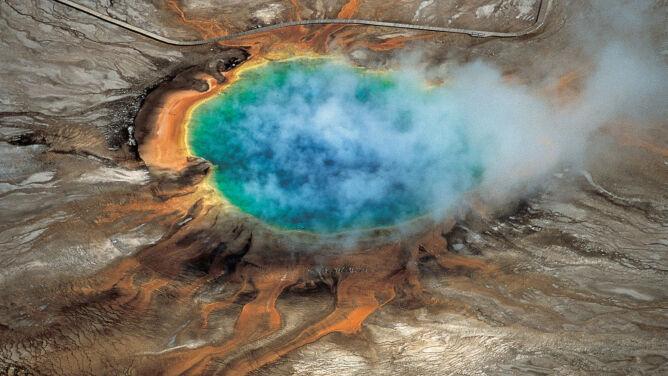 Naukowcy odkryli ogromny zbiornik <br />magmy pod Yellowstone