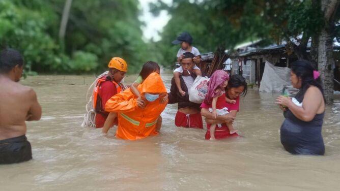 """Powodzie zabiły 111 osób, teraz nadciąga tajfun. """"Szkody będą ogromne"""""""